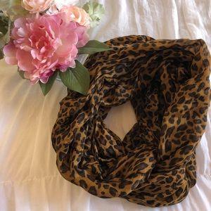 Accessories - Cheetah print infinity scarf